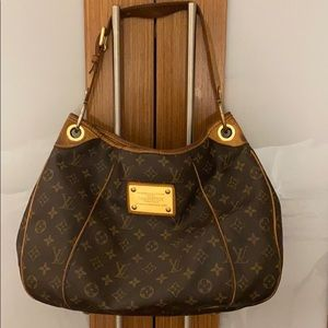 Louis Vuitton monogram bag..